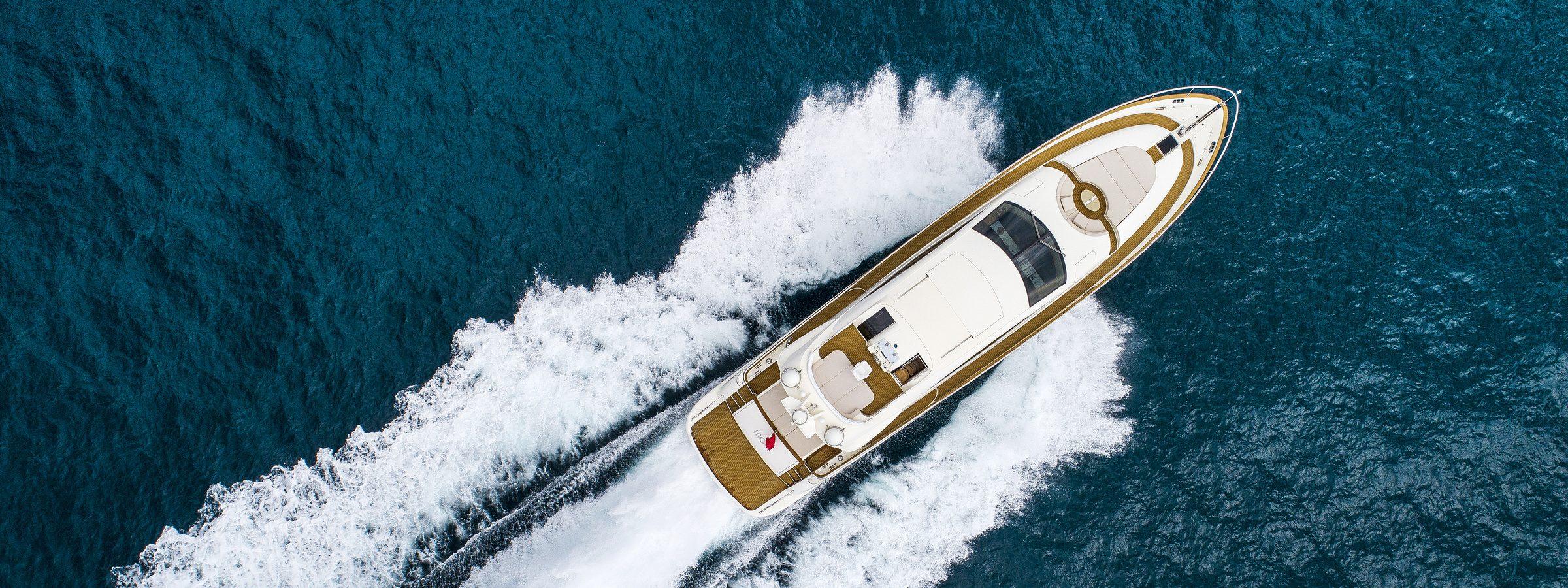 ESTERNI moki yacht